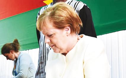 ANGELA MERKEL AUX ETUDIANTS BURKINABE  : «Même le Bac français n'est pas reconnu en Allemagne»