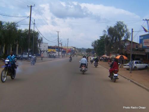 Le transport en commun à Beni (Nord-Kivu) est assuré par les taximen-motos. 13/11/2016. Ph. Radio Okapi/Freddy Lufulwabo