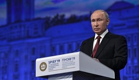 poutine spief2019 740x431 - SPIEF 2019 – Discours de Vladimir Poutine