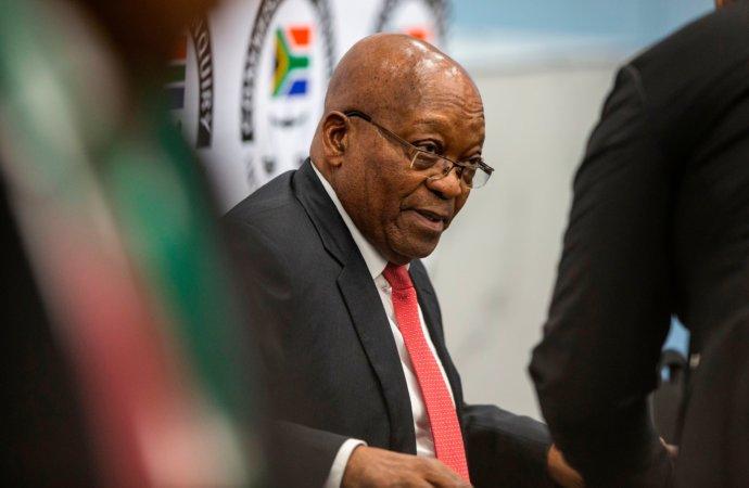 Afrique du Sud : Zuma nie tout et crie à la machination