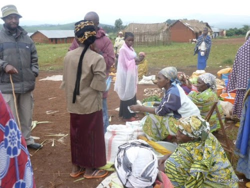 Un petit marché de Minembwe au Sud-Kivu, 31/01/2011.
