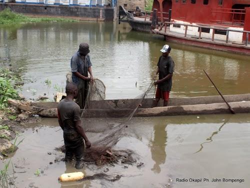 RDC : la marine ougandaise arrête 15 pêcheurs congolais