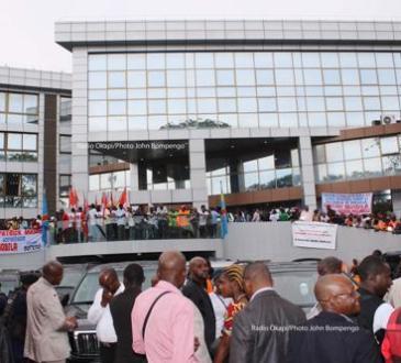 Le document sur la permutation des bourgmestres de Kinshasa est un faux, selon le cabinet du gouverneur Ngobila