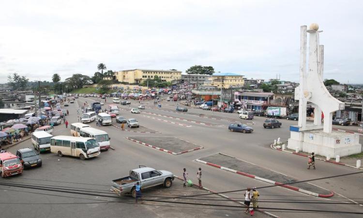 Les vieux Blancs de Libreville ont du mal à survivre