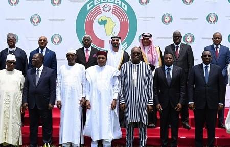 640x410 les presidents des pays d afrique de l ouest lors du sommet de la cedeao a ouagadougou le 14 - Afrique de l'Ouest: Un plan d'un milliard de dollars pour lutter contre le djihadisme