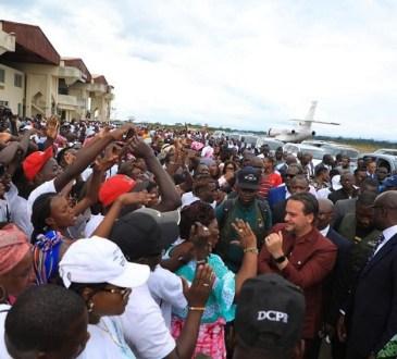 Brice Laccruche Alihanga : Comme un poisson dans la Ngounié