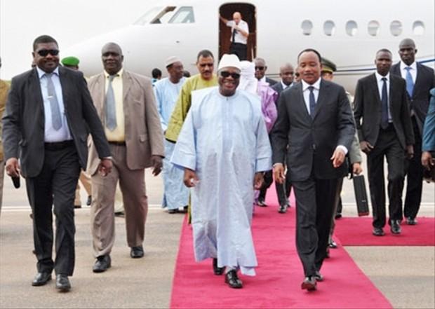 Issoufou Mahamadou à Bamako La sécurité au menu d'une visite - Issoufou Mahamadou à Bamako: La sécurité au menu d'une visite de travail et d'amitié