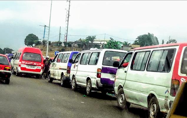 Faits divers : mouvement de protestation à la gare routière de Libreville.