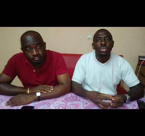 Mairie de Libreville : des conseillers municipaux aux côtés du Maire.