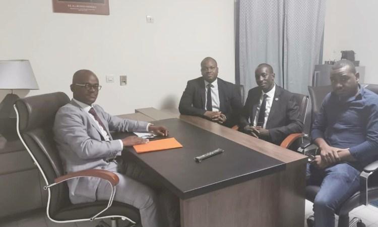 """Gabon/Social : Le bureau Exécutif de l'association """"Mouvement Républicain et Citoyen (M.R.C)"""",  reçu par le Ministre Tony ONDO MBA."""