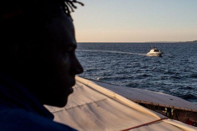Plus de 60 migrants meurent dans le naufrage de leur - Plus de 60 migrants meurent dans le naufrage de leur bateau au large de la Mauritanie