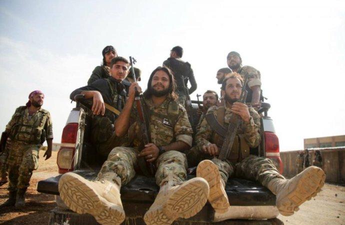 Nouvelles violences en Libye, réunion régionale jeudi à Alger