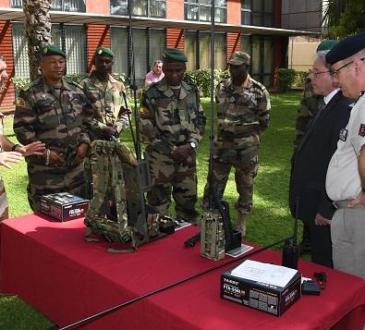 Coopération Mali- France : Un important lot de matériels remis à la direction des télécommunications des Armées