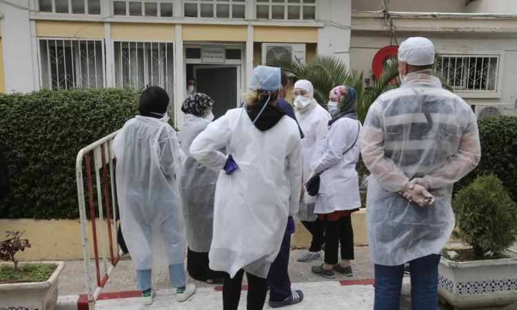 Coronavirus: l'Algérie ferme cafés et restaurants dans les grandes villes
