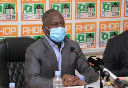 Présidentielle ivoirienne: le RHDP n'exclut pas une candidature de Ouattara évoquant un cas de «force majeure»
