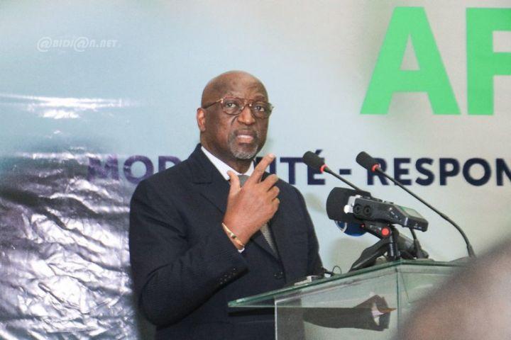 Election a la CAF Jacques Anouma officiellement candidat - Football: l'ivoirien Jacques Anouma annonce son retrait de la course à la Présidence de la CAF ( Communiqué)