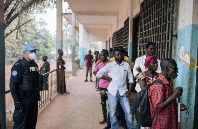Elections en Centrafrique: un avenir à court terme déjà lourd de risques