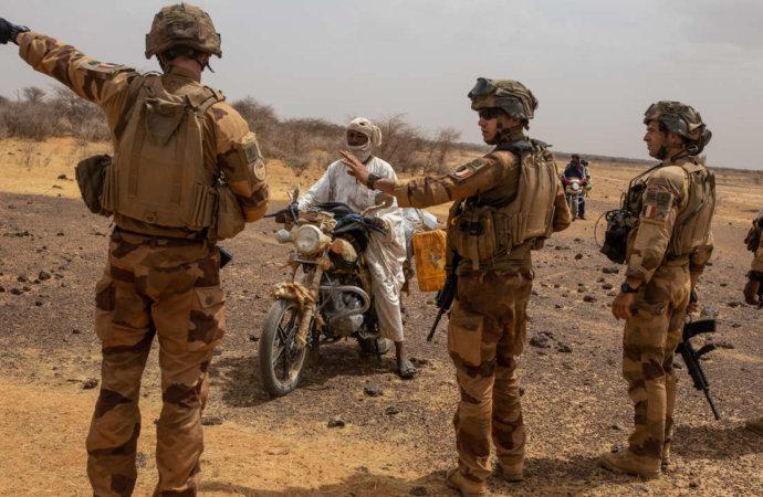 Afrique: la France cherche à sortir du bourbier sahélien