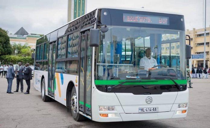 Covid 19 au Gabon Pour fluidifier le trafic a lheure - Covid-19 au Gabon : Pour fluidifier le trafic à l'heure du couvre-feu, le Gabon va augmenter la capacité des transports en commun qui demeureront gratuits