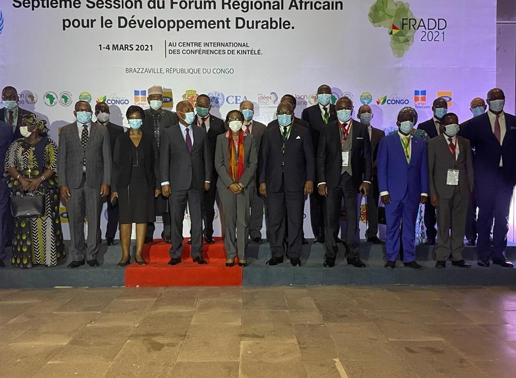 AfriqueEnvironnement Les pays invites a redefinir leur modele de developpement - Congo/Télécommunications: Le Congo choisi pour tester le réseau 5G afin d'exploiter le potentiel numérique