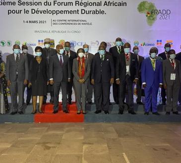 AfriqueEnvironnement Les pays invites a redefinir leur modele de developpement - Afrique/Environnement: Les pays invités à redéfinir leur modèle de développement