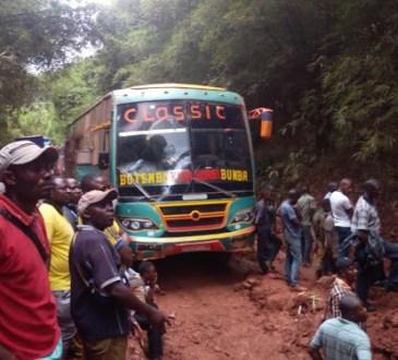 Des camions bloqués dans les bourbiers entre Kisangani et Buta