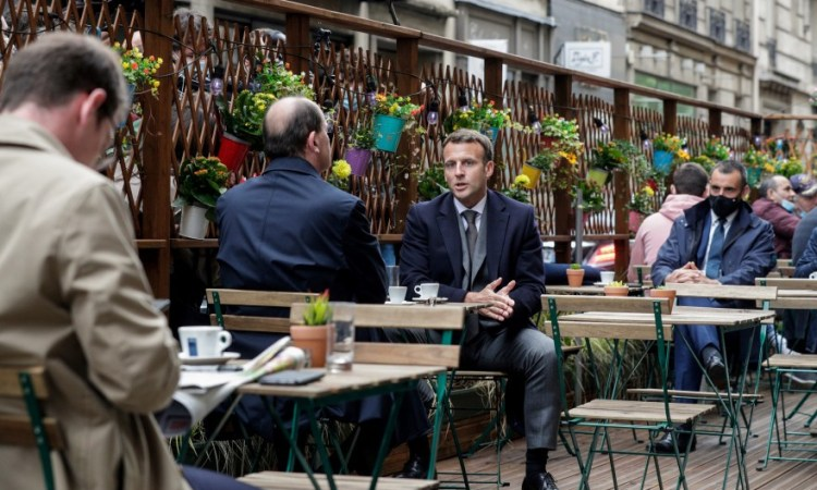19 mai 1415148 emmanuel macron et jean castex le 19 mai 2021 - France, comme un air de liberté retrouvée : réouverture des terrasses de cafés, bistrots, cinémas, et…