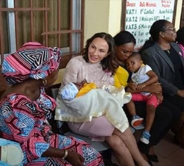GabonLes sages femmes celebrees - Gabon:Les sages-femmes célébrées