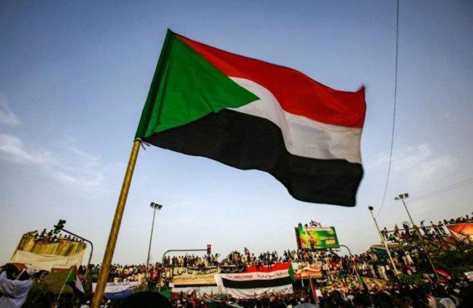 La France fait un geste pour le nouveau Soudan démocratique