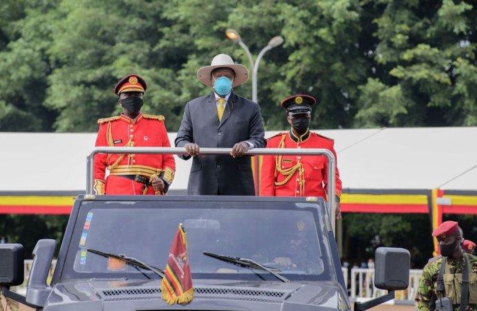 Ouganda: en plein Covid, 25 millions d'euros donnés aux députés suscitent la colère