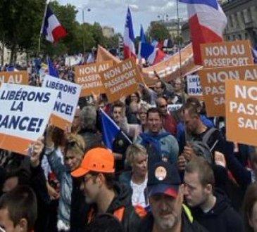 FRANCE : 7 AOÛT, DES MILLIERS DE PERSONNES DANS LES RUES CONTRE LE PASS-SANITAIRE