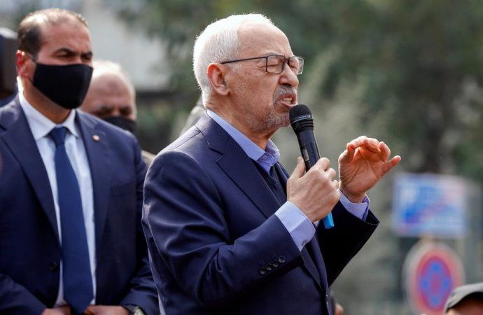Tunisie: avec ses nouveaux pouvoirs, le président Saied s'attaque à la corruption