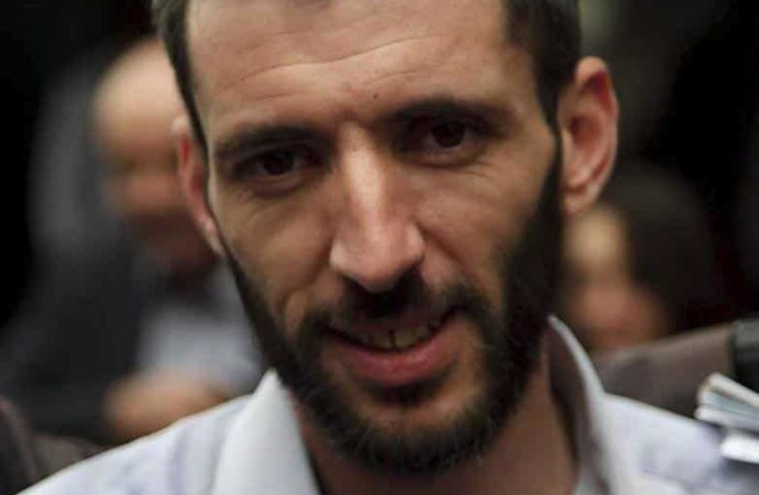 Algérie: nouvelle arrestation d'un journaliste, employé par le quotidien Liberté