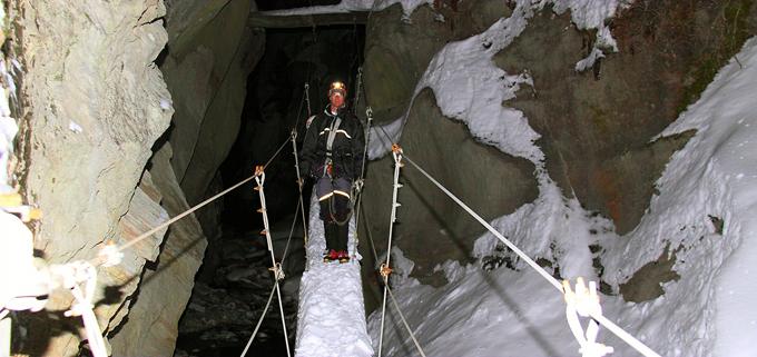 (Photos des Gorges : © Photopress/Saas-Fee)