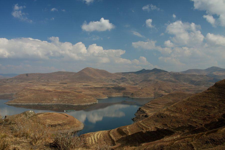Lesotho 7P8C DX News The Malibamat'so River.