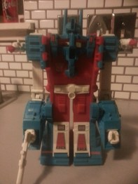 "Ultra Magnus Hasbro Transformers Generation 1 1986 G1 Foreign names Japanese- (ウルトラマグナス Urutora Magunasu), French- Ultramag, Italian- Convoy, Mandarin- Tong Tian Xiao (China, 通天晓, ""The One Who Knows Everything""), Mags Taiwan, 馬格斯 Mǎ Gè Sz and Magnum, 麥農 Mài Núng), Portuguese- Ultra Magnum"