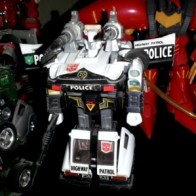Prowl G1 2003 Commemorative Series IV Hasbro