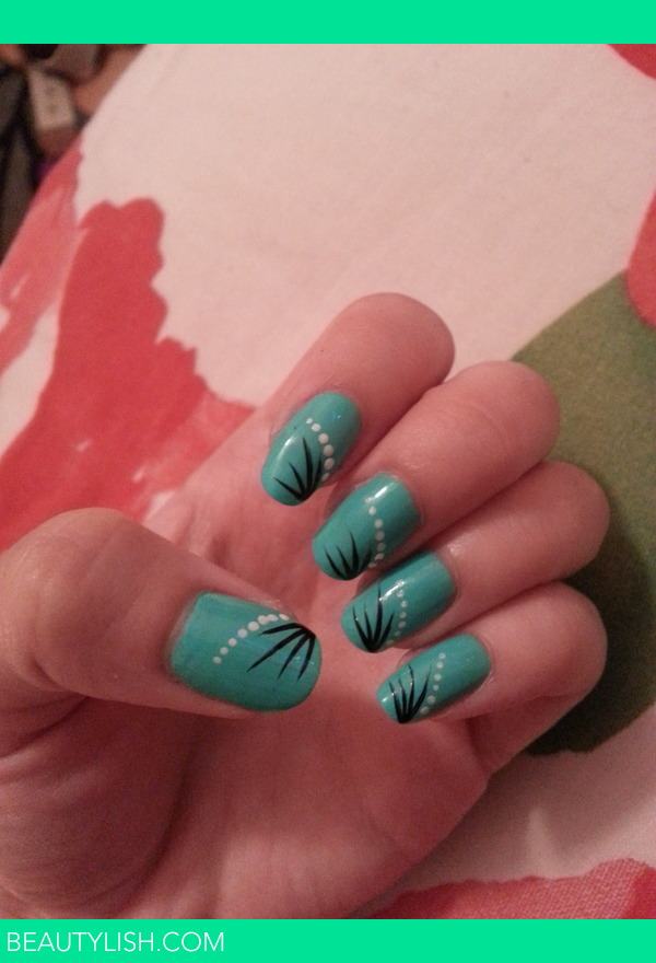 Mintturquoise With A Simple Nail Art Design Tara Ms