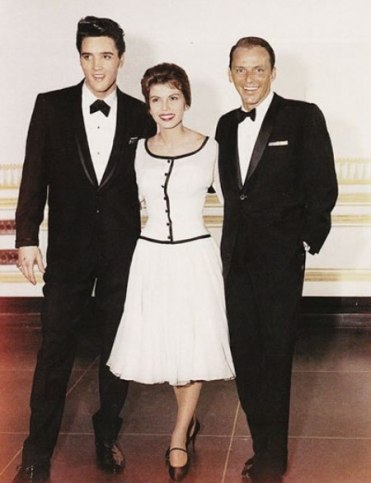 elvis_nancy_frank_march_26_1960_fontainebleau_hotel