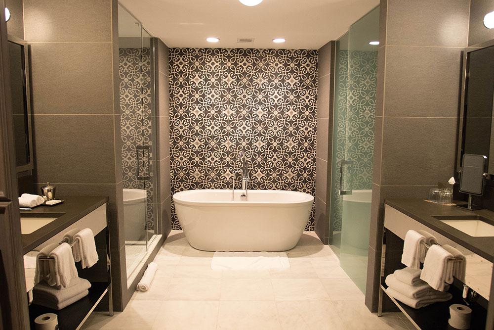 Loretta's Suite - Bathroom - Hotel Van Zandt - Austin Texas - Kimpton