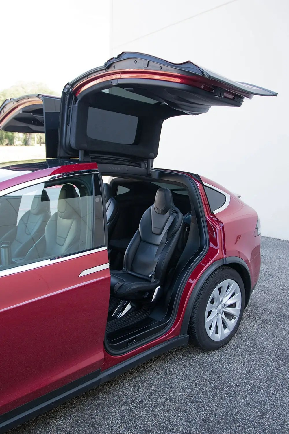 Tesla Model X Falcon Doors Open 2