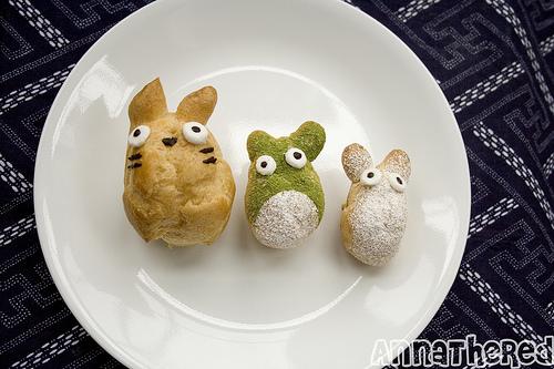 3 Totoro cream puffs