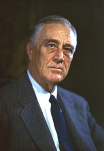 Franklin Delano Roosevelt By FDR Presidential Library & Museum - CT 09-109(1), CC BY 2.0, https://commons.wikimedia.org/w/index.php?curid=71911951