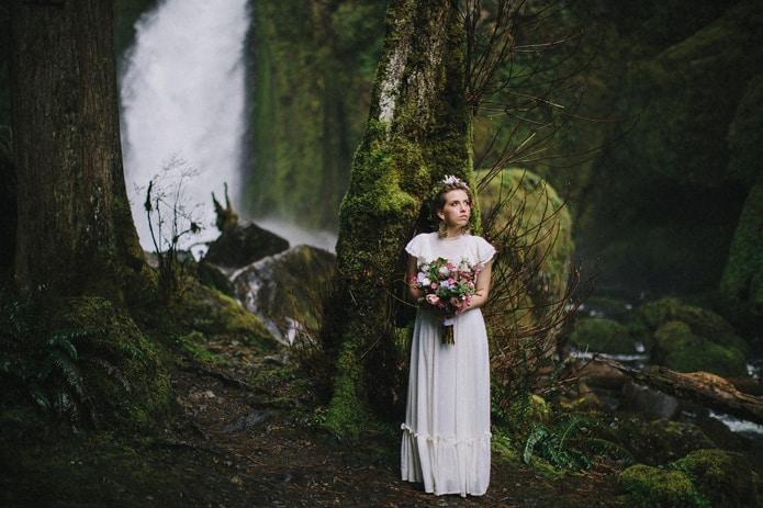 wahclella-falls-elopement-0022