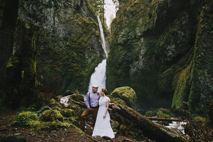 wahclella-falls-elopement-0024