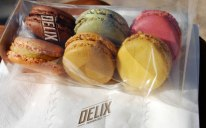 23-delix-sweets-bakery-plastic-wrapping