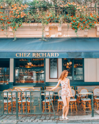 Girl standing in front of Chez Richard Brussels