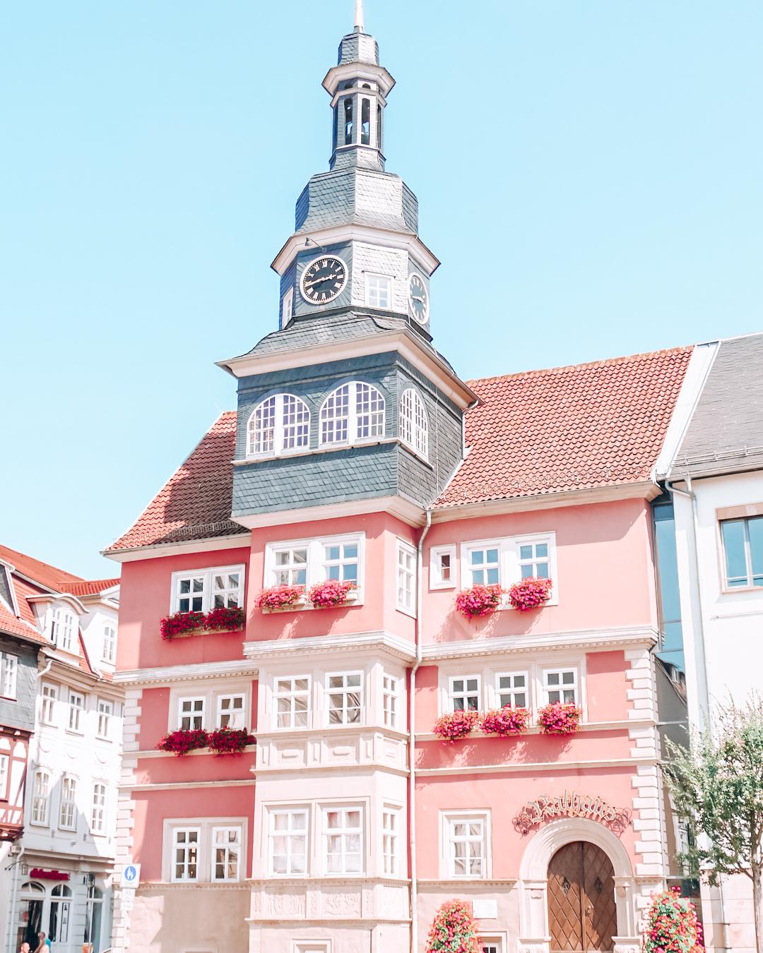 A pink building in Eisenach