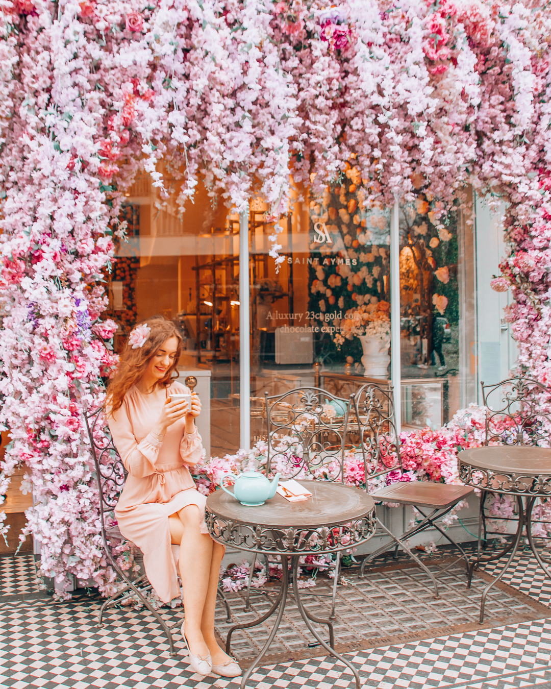 Instagrammable pink flowers at the terrace of Saint Aymes in London