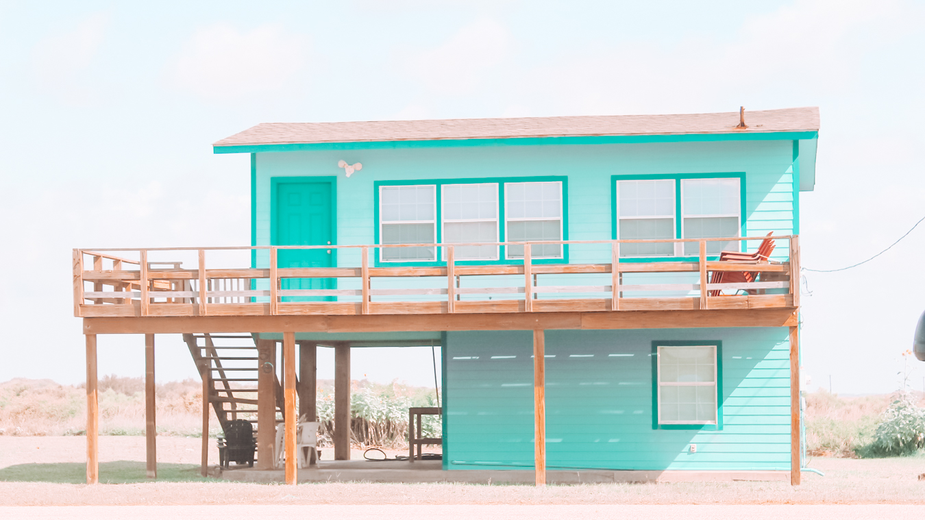 Building in the beach town Matagorda in Texas